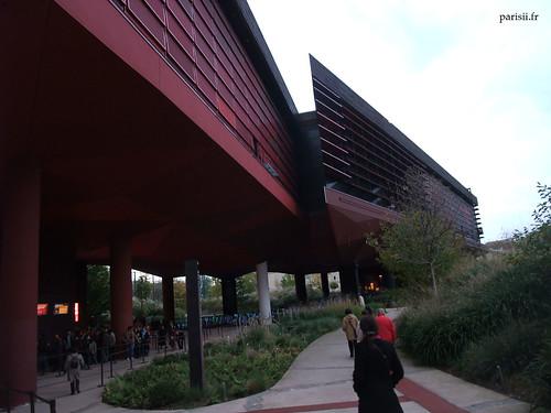 Le musée ressemble à un navire, par endroits