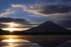 [フリー画像] [自然風景] [山の風景] [富士山] [日本風景] [朝日/朝焼け]      [フリー素材]