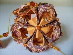 Elaine (Isa ♥ ♥) Tags: origami arabesque kusudama sonobe pendante