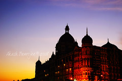 ENCOUNTER @ TAJ - A bloody Taj..... (Akash -Tales from Shining and Sinking India) Tags: new nikon live delhi d70s terror multiple mumbai reporting deaths akash banerjee