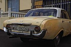 Ford Taunus 17m P3 (Robert Haeberlein) Tags: pueblo coche oldtimer gran badewanne canoneos350d canaria spanien islascanarias kanarischeinseln canonef28135 fordtaunusp3