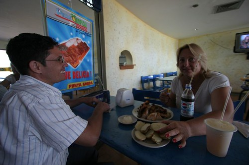 Lunch in Cartagena with Ernesto and Janet.