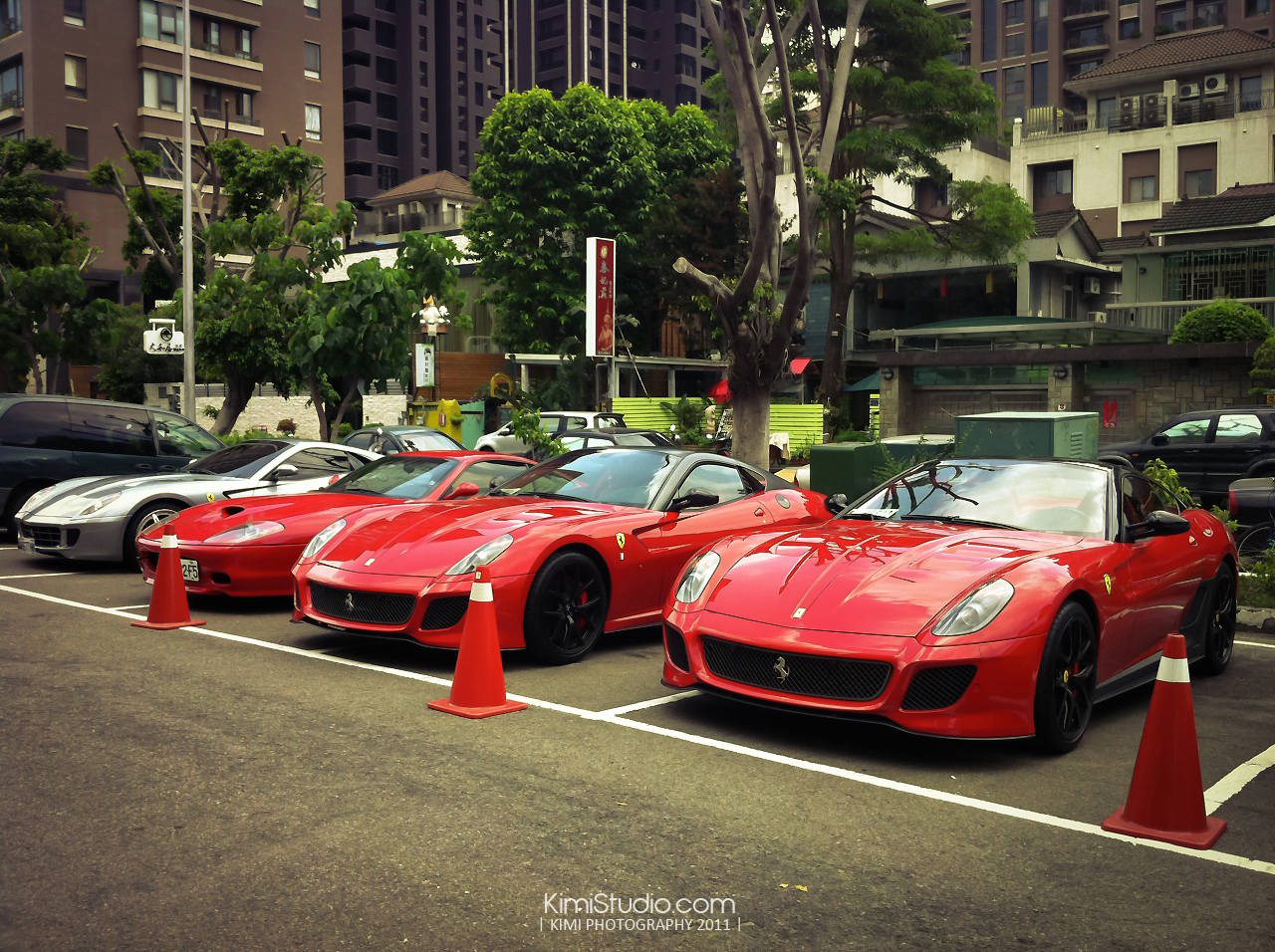 Ferrari 2011.06.10-007