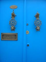 Türbeschläge / fittings on a door (olga_rashida) Tags: blue tunisia madina blau hammamet altstadt oldcity tunesien singintheblues mywinners anawesomeshot colorphotoaward aplusphoto top20blue platinumheartaward excapture fittingsonadoor türbeschläge