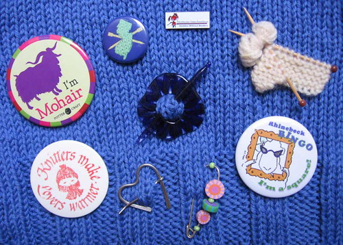 Knit buttons