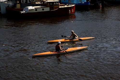 Tired of London, Tired of Life: Go canoeing on the Regents Canal