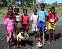 Beneraf (Mangiwau) Tags: new people black west indonesia guinea village papua lain manis barat hitam niew irja ples masyarakat niugini melanesians sarmi irian papouasie beneraf villlagers