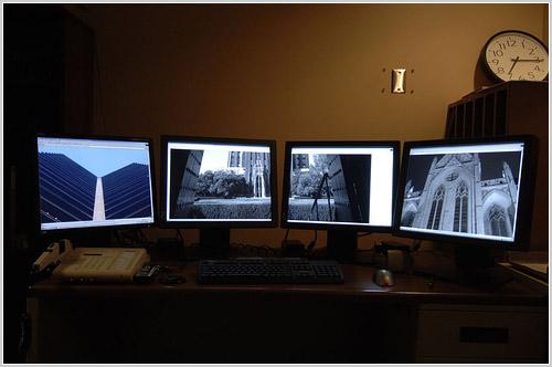 4 screens
