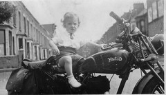 Norton motorcycle (John.P.) Tags: uk london norton motorcycle clapham 1950