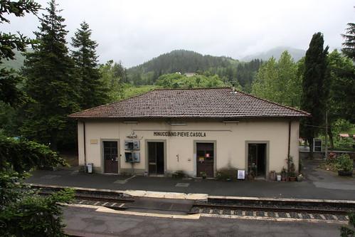 Bahnhofsgebäude von Casola