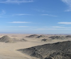 desert near makadi bay, egypt (@ulli0703) Tags: blue sunset sky mountains stone desert egypt makadi