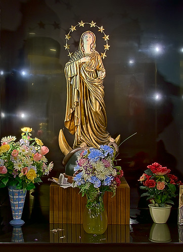 Christ the King Chapel, Shrine of Our Lady of the Snows, in Belleville, Illinois, USA - Statue of Our Lady