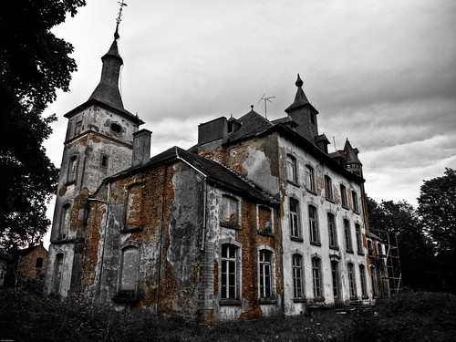 Haunted - {P5249694_2_3} (by X-it)