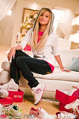 ash (Lisa'95 Baby V) Tags: school jared girl beautiful smile look fashion shop work hair high nice shoes long ashley jeans musical blond hollywood ash sweatshirt straight murillo tisdale hsm highschoolmusical hsm2 hsm3