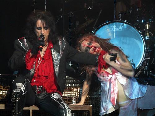Alice Cooper reparte Niños Muertos (Nightmare 2, el regreso de Steven!!!) - Página 10 2740511746_8cdb7515f1