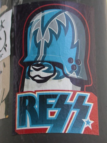 [Graff / Toiles / Stickers] FLYING FORTRESS 2765654836_6a4b94f34c