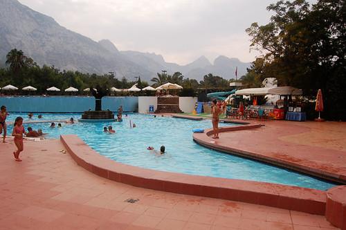 swimming pool, daytime