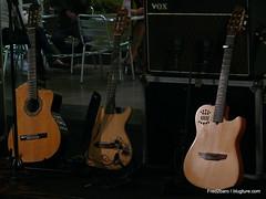 Guitares à la station AUBER par frederick 2 Baro