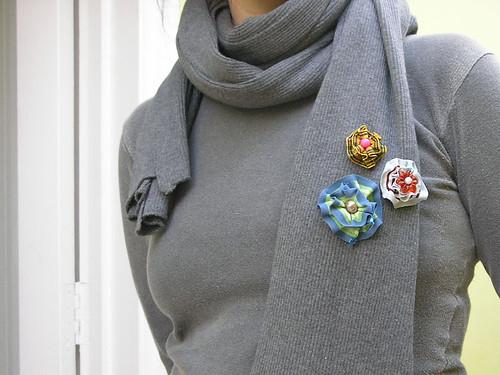 Flores no cachecol