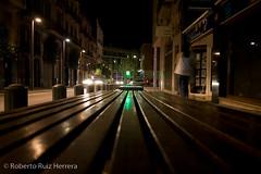 Al final del banco (Berts @idar) Tags: noche edificios ciudad nocturnas vacaciones tarragona reus efs1855mmf3556 espaa canoneos400ddigital ojosajenos ojosajenoscom