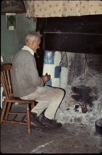 Tommy Gibbons one of the last of the rare old kind, Mayo Ireland 1977