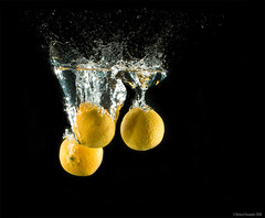 Orange juice - High Speed Flash Photography (RichardDumoulin) Tags: orange speed canon photography high underwater action flash richard 28l dumoulin 1dmk3 2470is