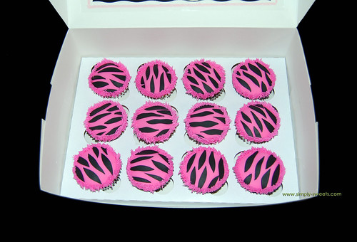 pink and black zebra cupcakes by Simply Sweets.