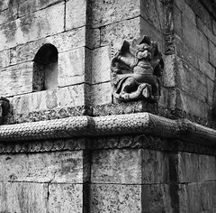 Stone work detail (ndnbrunei) Tags: travel nepal blackandwhite bw 120 6x6 tlr film architecture rollei mediumformat square kodak bn mf kathmandu blackdiamond rolleiflex28f classicblackwhite autaut rolleigallery ndnbrunei kodak400tmy2 neroameta