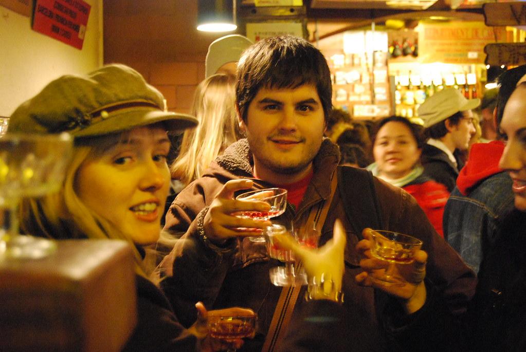 Cathy, Pau i Vero en El Xampanyet