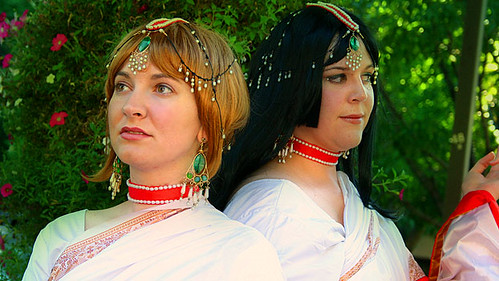 Yuuko and Sakura, Peacock Saree