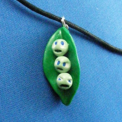 bitchy peas necklace