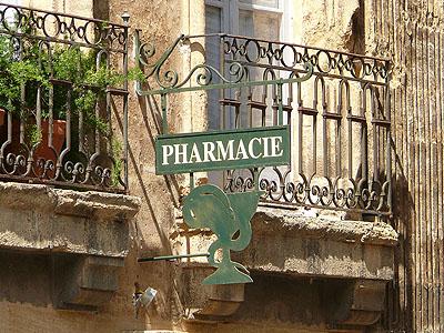 pharmacie place d'Albertas, Aix.jpg