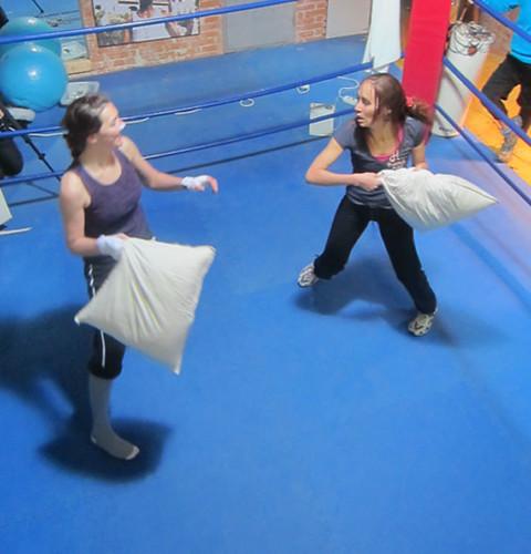 В Нью-Йорке прошел кубок мира по боям подушками