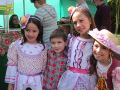 festa junina (Cesar Senatore [Russo]) Tags: festajunina caipiras colgiosantoantoniodelisboa