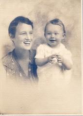Bess + Ellen Todd 1931 (Alex.Tango.Fuego) Tags: blackwhite oldfamilyphotos