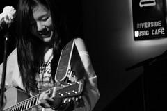 Living under light (Davidrummer) Tags: music canon eos 350d cafe riverside band taiwan rocker taipei   deserts ef70200mmf4l livehouse   iso80 digitalshot iso8001600