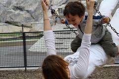 中央公園-我旁邊的母子,小孩子笑超大聲的啦,趕緊吩咐小乖把這快樂景象捕捉下來