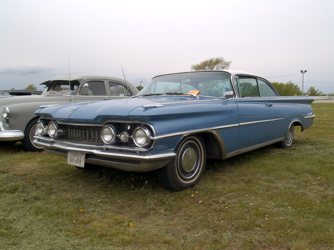 1959 Oldsmobile 98. go back