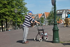 A Bridge Too High? (FaceMePLS) Tags: pet leiden nederland thenetherlands streetphotography oldman cap vismarkt rollator oudeman straatfotografie asunnyday facemepls nikond300 eenmooiezomerdag metvriendjexander