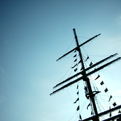 【写真】ミニデジで撮影した逆光でのマスト