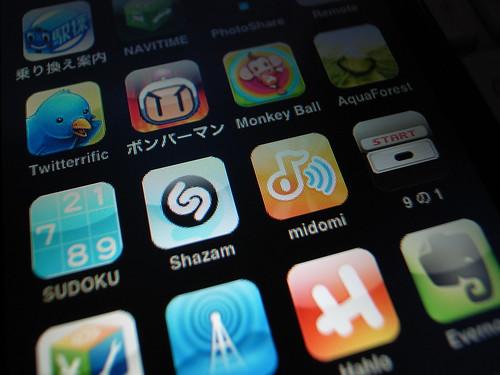Thumb Apps: Shazam vs Midomi
