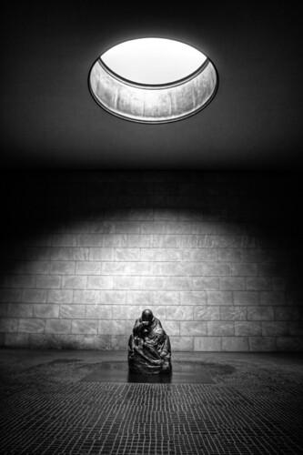 Pietà, Neue Wache (Berlin)