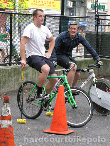 paul and jonny play bike polo in NYC