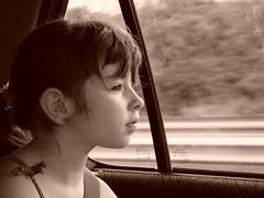 sur le long retour des vacances (ticoeur77510) Tags: family famille sea portrait mer portraits vacances holidays child noiretblanc enfant bb vende sainthilaire
