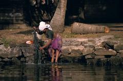 Backwaters of Kerala (latoti) Tags: people india kerala backwaters southindia alleppey kovalam womenatwork alappuzha indiadelsud