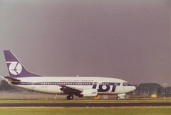 Boeing 737-55D (Den Batter) Tags: minoltax700 lot boeing spl schiphol 737 eham 737500 27418 polishairlines splkc 01l19r