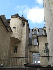 23, rue Vauquelin (Herbaltablet) Tags: france europa europe normandie normandy calvados caen 14000 trompe listedbuilding squinch bassenormandie monumentostorico caenlamer monumentshistoriques
