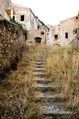 Craco_2 (Enzo Pinelli) Tags: scale italia basilicata fantasma paesaggio città rovine vecchia lucania craco gradinata