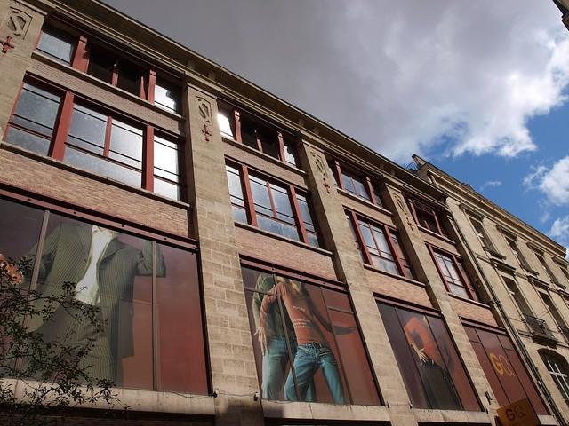 façade de magasin 2771786704_c9b54e40b7_z
