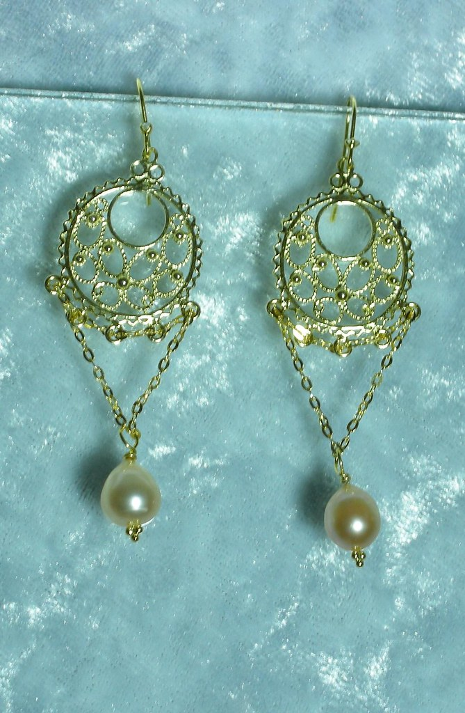Simply Bright Earrings (gold plated ss)